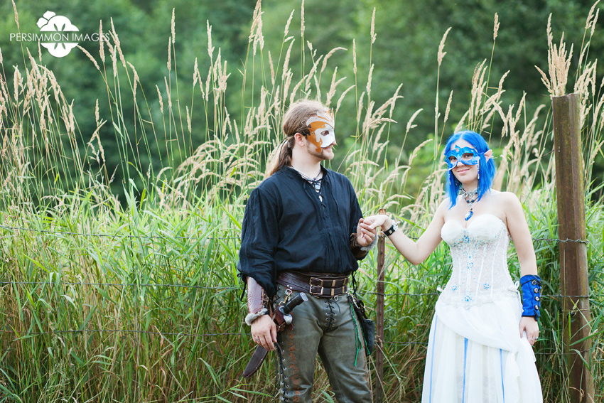 Montesano medieval renaissance faire wedding photography with fae and swordsman bride and groom on a rural farm. Renaissance faire wedding photography by Seattle wedding photographers Persimmon Images