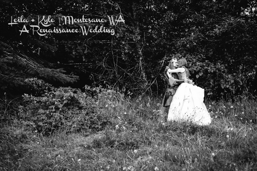 Offbeat, renaissance wedding in Montesano, Washington. Medieval wedding photography by Persimmon Images Seattle wedding photographers