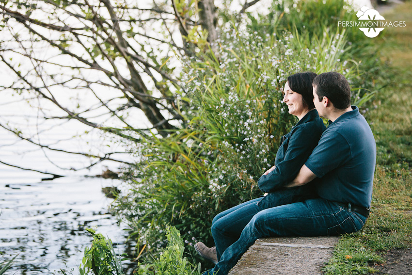 Love on the shore of Green Lake. Seattle engagement photographer Persimmon Images